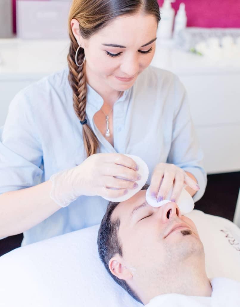 Kosmetikbehandlung der Spitzenklasse auf höchstem Niveau